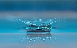 Drop Of Water Slow Motion Mac wallpaper