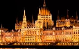 Hungarian Parliament Building Mac wallpaper