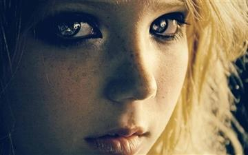 Girl With Freckles Mac wallpaper