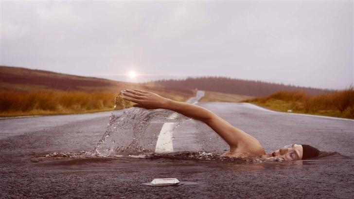 Swimming Man Mac Wallpaper