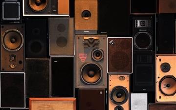 Speakers 2 Mac wallpaper