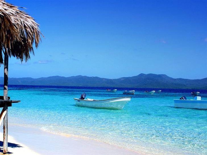 Resort beach Mac Wallpaper