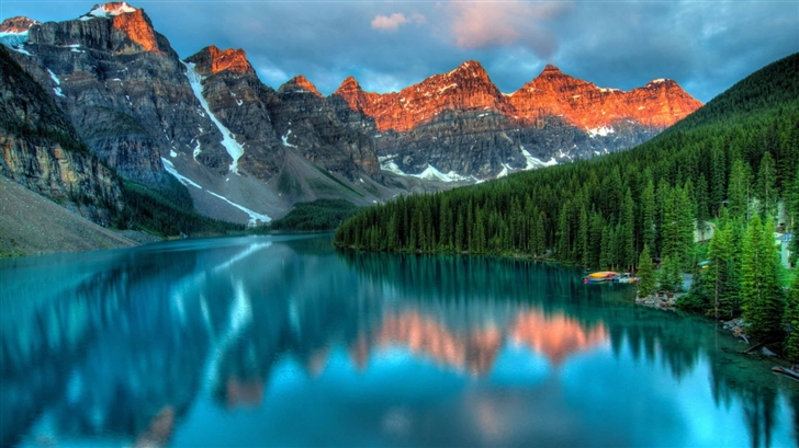 Moraine Lake And The Valley Mac Wallpaper