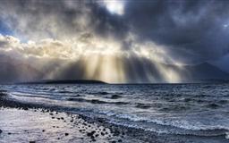 Crepucular Rays Over Sea Mac wallpaper