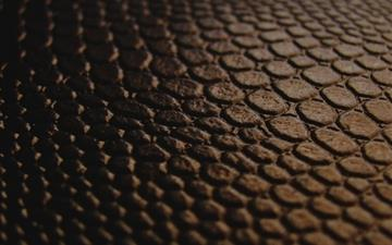 Brown leather Mac wallpaper