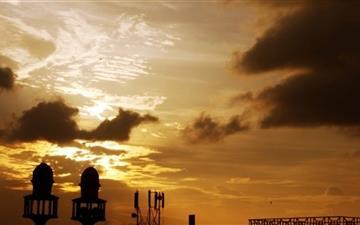 Evening Sky Soaring Minarets Mac wallpaper