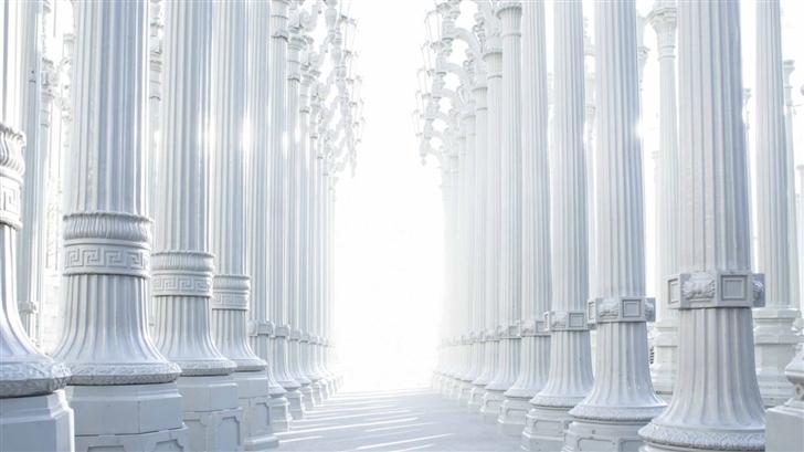 White Columns Mac Wallpaper
