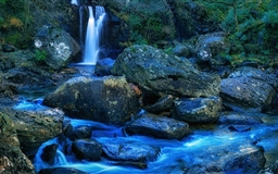 Mountain Waterfall Mac wallpaper