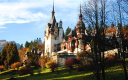 Peles Castle In Fall Mac wallpaper