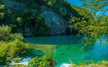 Lake In Plitvice Mac wallpaper