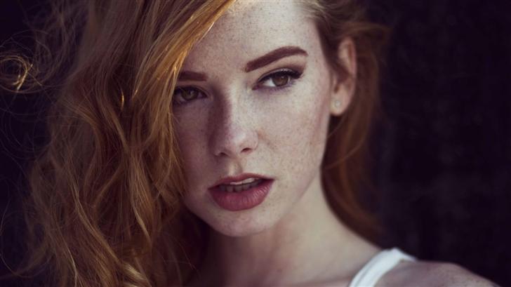 Ginger Woman Mac Wallpaper