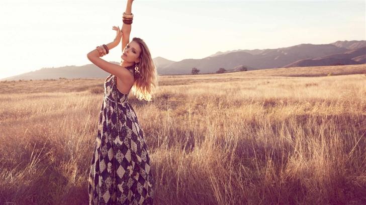Lily Donaldson Model Mac Wallpaper