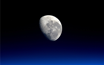 Moon close-up by NASA Mac wallpaper