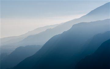 Hazy mountains Mac wallpaper