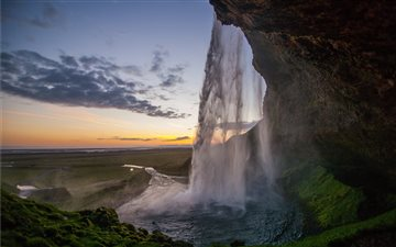 Seljalandsfoss Waterfall,... Mac wallpaper