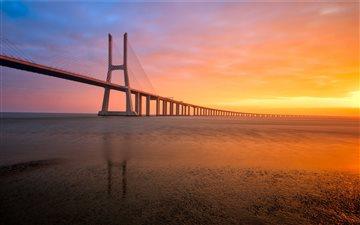 A Bridge to the Sun Mac wallpaper