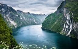 Beautiful Norwegian Landscape Mac wallpaper