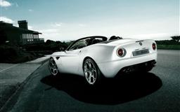 Alfa Romeo 8C Spider White