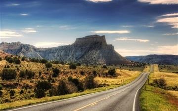 Desert Road Mac wallpaper