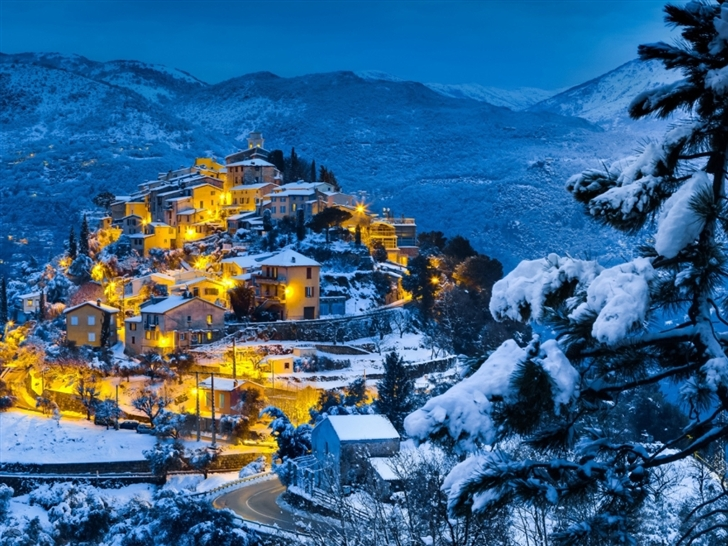 Beautiful christmas village Mac Wallpaper