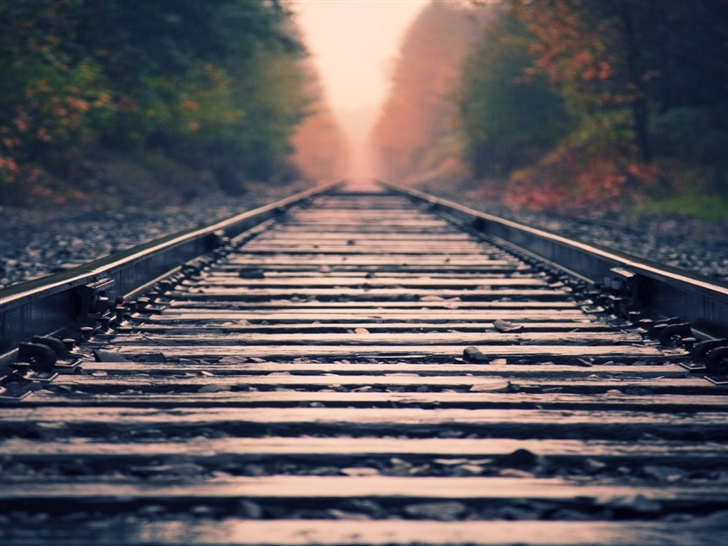 Rail close-up Mac Wallpaper