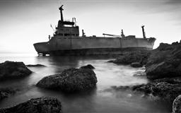 Stranded ship Mac wallpaper