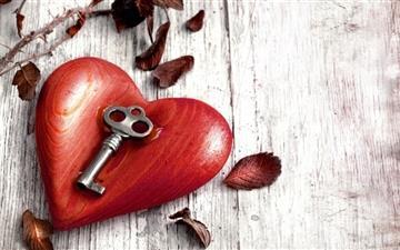 Heart and key Mac wallpaper