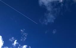 Flying in the sky Mac wallpaper