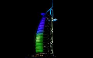 Dubai's night Mac wallpaper