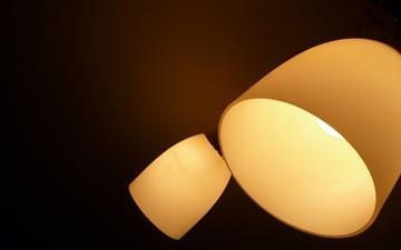 Desk lamp Mac wallpaper