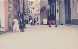 European Street In Color Mac wallpaper