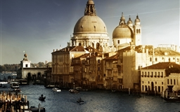 Lovely Venice City Corner Mac wallpaper