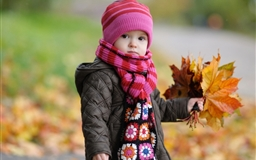 Cute Baby In Autumn Mac wallpaper