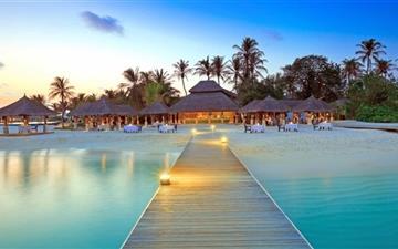 Maldive Islands Resort Mac wallpaper