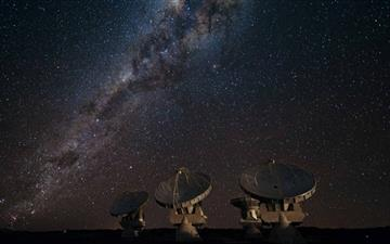 Satellite Array Night Mac wallpaper