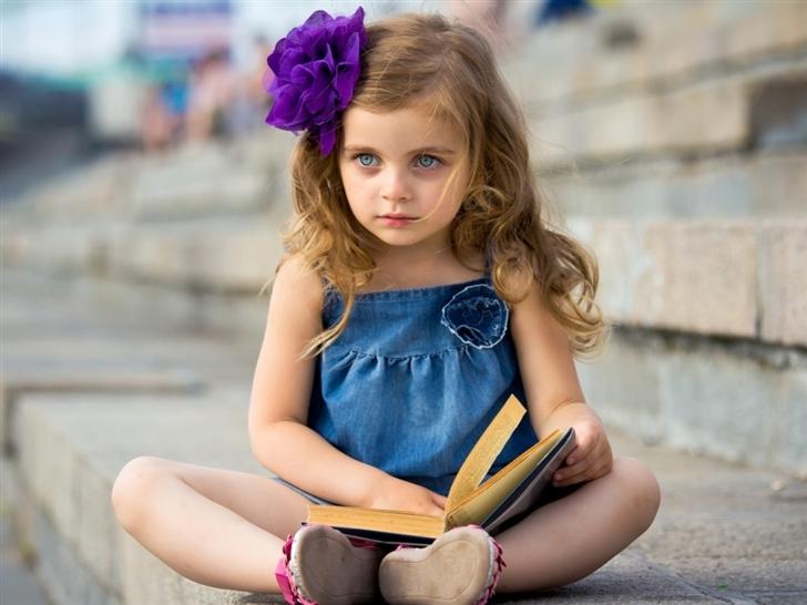 Cute Little Girl Mac Wallpaper