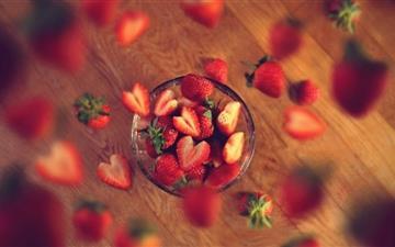 Very Berry Strawberry Mac wallpaper