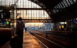 Platform 5 Amsterdam Central