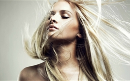 Long Hair Blonde Mac wallpaper