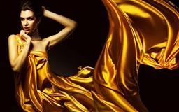 Lady In Yellow Mac wallpaper