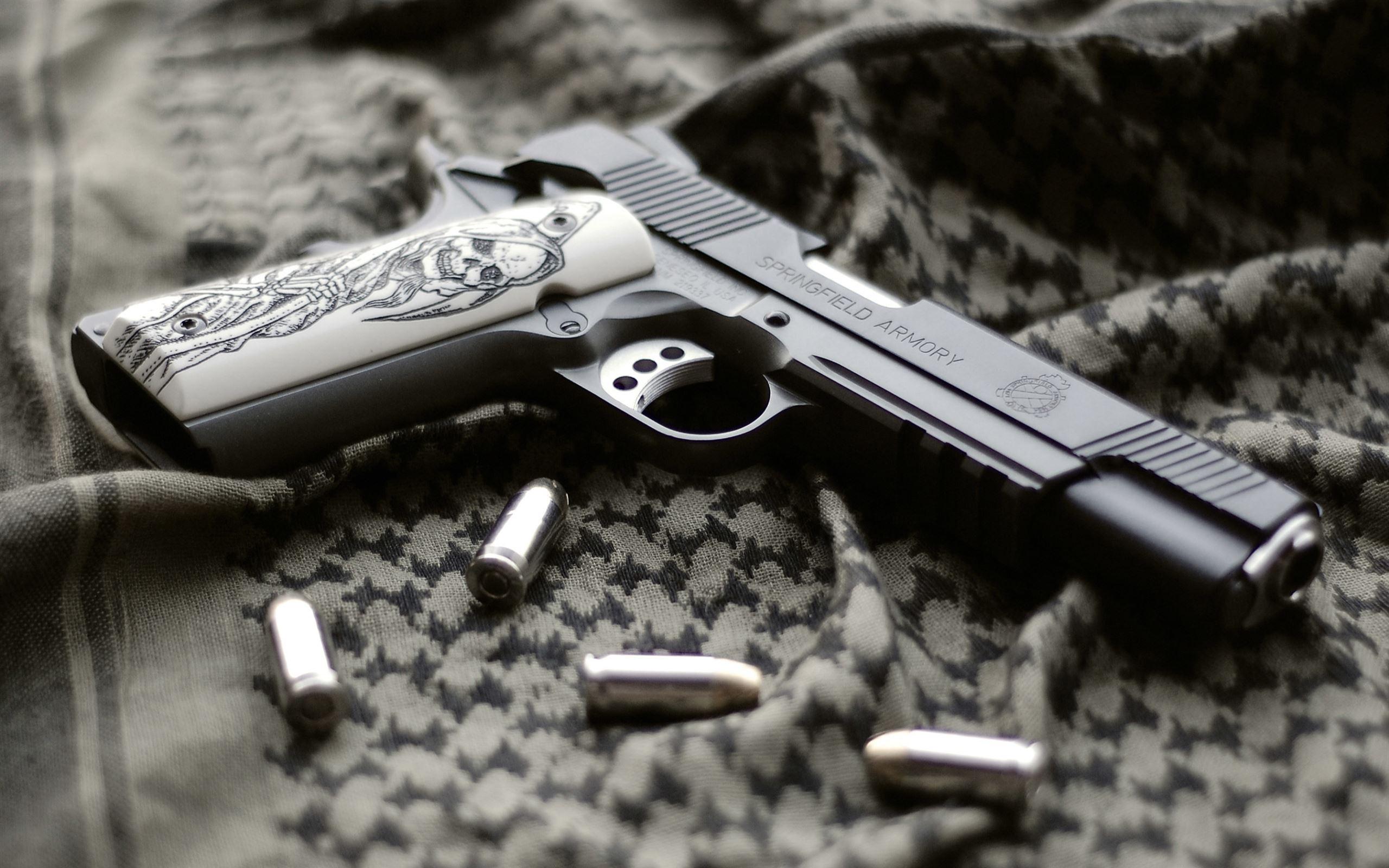 Gun and bullets Mac Wallpaper Download   Free Mac ...