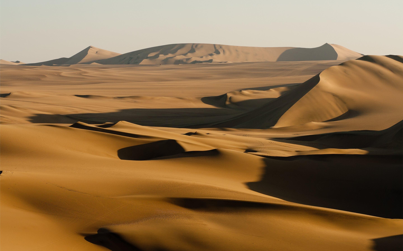 Sand dunes, Huacachina, P... Mac Wallpaper Download | Free ...
