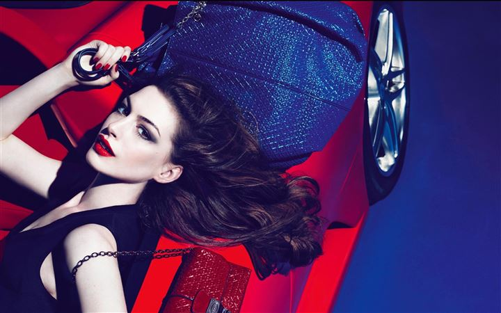 Anne Hathaway Tods All Mac wallpaper