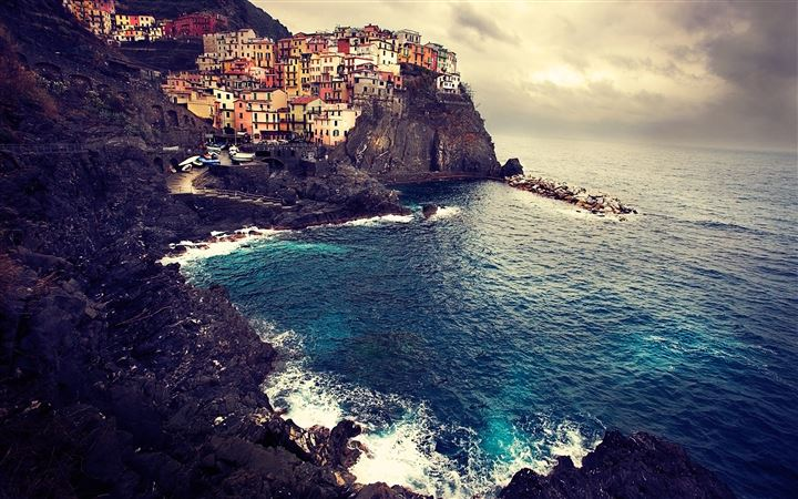 Beautiful Manarola All Mac wallpaper