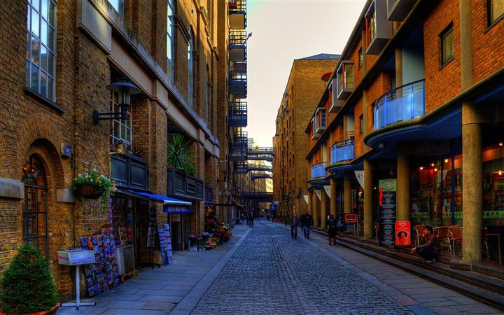 London Streets MacBook Air wallpaper