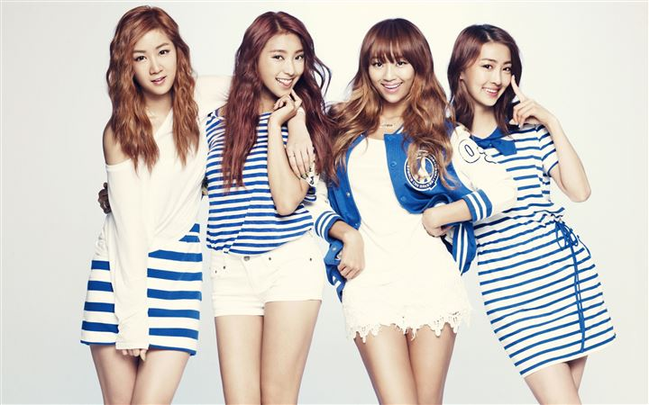 Sistar MacBook Air wallpaper