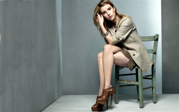 Emma Roberts MacBook Pro wallpaper