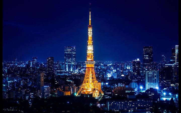 Tokyo Tower at night MacBook Pro wallpaper