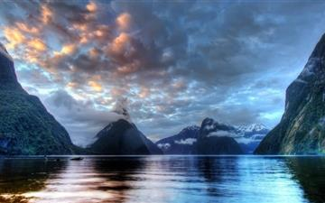 Milford Sound All Mac wallpaper