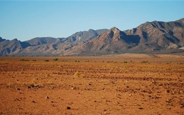 Desert Mountain Scenery Mac wallpaper